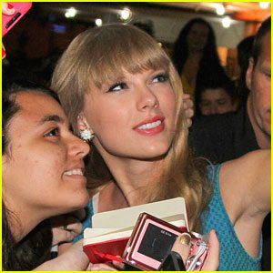 Taylor Swift & Fan, circa 2012